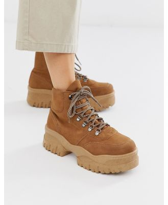 ASOS DESIGN Dash chunky hi-top sneakers in tan
