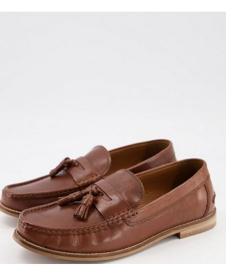 ASOS DESIGN Wide Fit tassel loafers in tan leather with natural sole-Brown