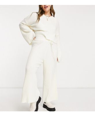AX Paris Plus ribbed knitted pants in white