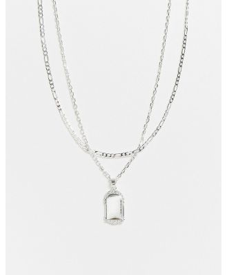 Chained & Able layered neckchain in silver with frame tag pendant