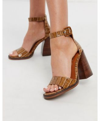 Chio block heeled sandals in tan leather