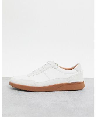 Clarks oakland sneakers in white