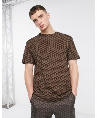 Criminal Damage t-shirt in brown geo pattern-Black