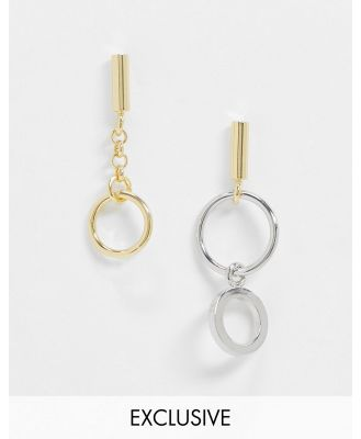 DesignB Exclusive earring pack with asymmetric hoop charms in multi