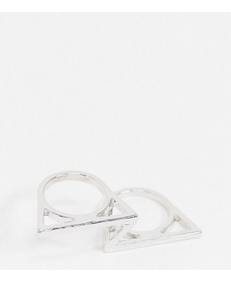 DesignB Exclusive two finger ring in silver with asymmetric design