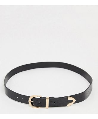 Glamorous Curve belt in black croc with gold tip