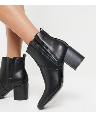 Glamorous Wide Fit heeled chelsea boots in black
