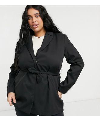 Heartbreak Plus tie waist blazer in black