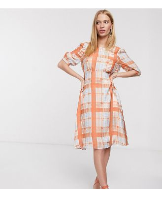 Lost Ink midi dress with full skirt and tie back in check-Orange