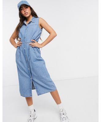 Monki sleeveless shirt dress in denim-Blue