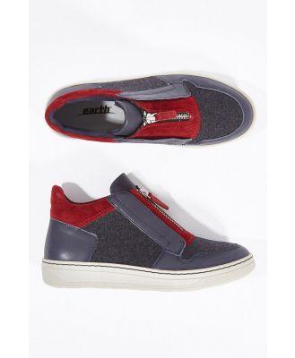 Zane Zip Sneaker