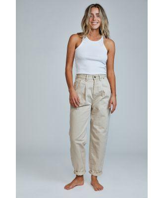 Cotton On Women - Slouch Mom Jean (Pleat) - Sandstone pleat