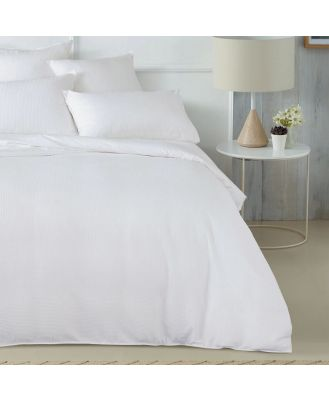 Sheridan Abington Quilt Cover Set in White Size: Queen Cotton