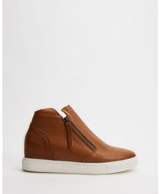 Freelance Shoes - Jazlyn - Wedge Boots (Tan) Jazlyn