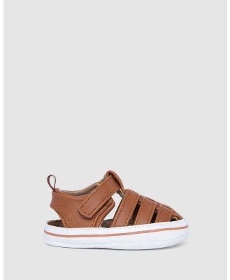 Kicks - Kane Sandal - Sandals (Tan/White) Kane Sandal